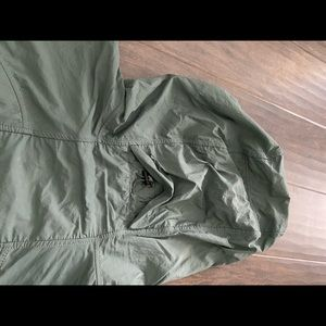 Lululemon Light wind jacket, green sz 10